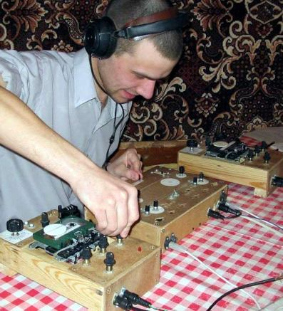 Cassette_tape_DJ_equipment_by_DJ_Artyom